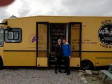 Mobile library mit Michelle und Sigrid